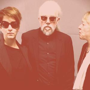Matrix – with Dinka Dumicic (left) Jody Williams (right)